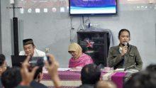 KH. Fahmi Basya dan Noe Letto dalam acara Diskusi Buku Sewelasan Perpustakaan EAN