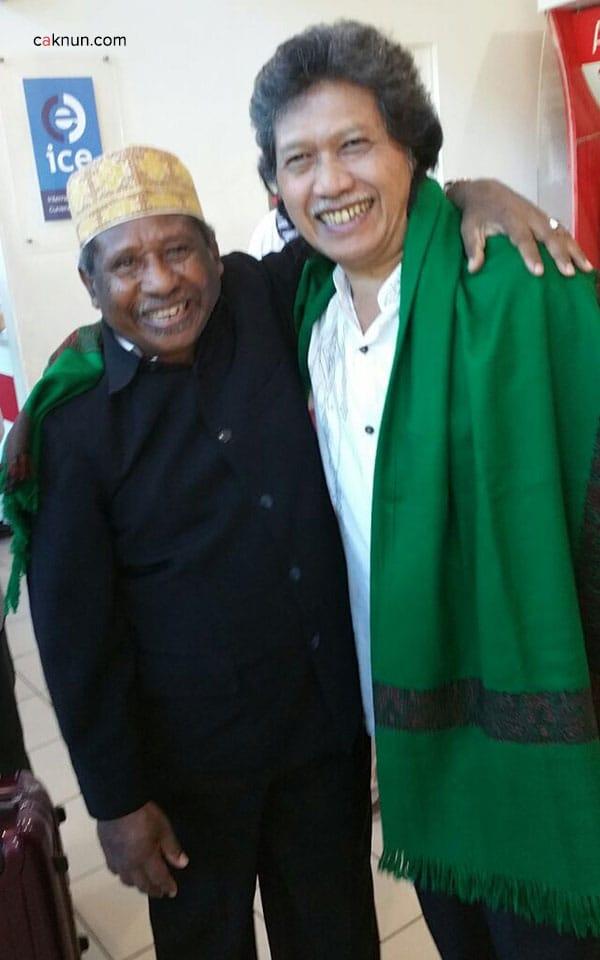 Tiba di Kinabalu, disambut pak Ismail Malakalu, sang sahabat yang telah berpisah hampir 50 tahun.