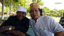 Bapak Ismail Malakalu dan Bapak Muhammad Ainun Nadjib.