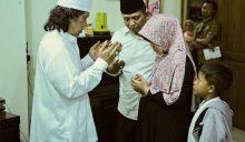 Mas Islam dan Mbak Dewi minta didoakan Cak Nun usai Mocopat Syafaat Desember 2015.