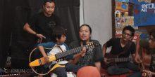 Morgan membawakan lagu Ruang Rindu bersama Letto.