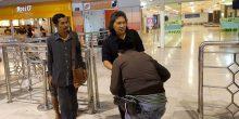 Cak Nun mendarat di Bandara Sultan Hasanuddin Makassar