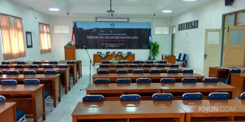 """Pembukaan acara peluncuran buku esai sastra Yogyakarta """"Ngelmu Iku Kalakone Kanthi Laku"""""""