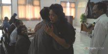 Cak Nun bertemu Cak Munif, sastrawan senior Jombang.