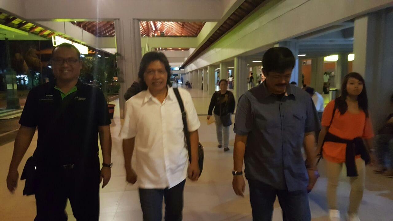 Cak Nun bertemu coach Indra Sjafri.