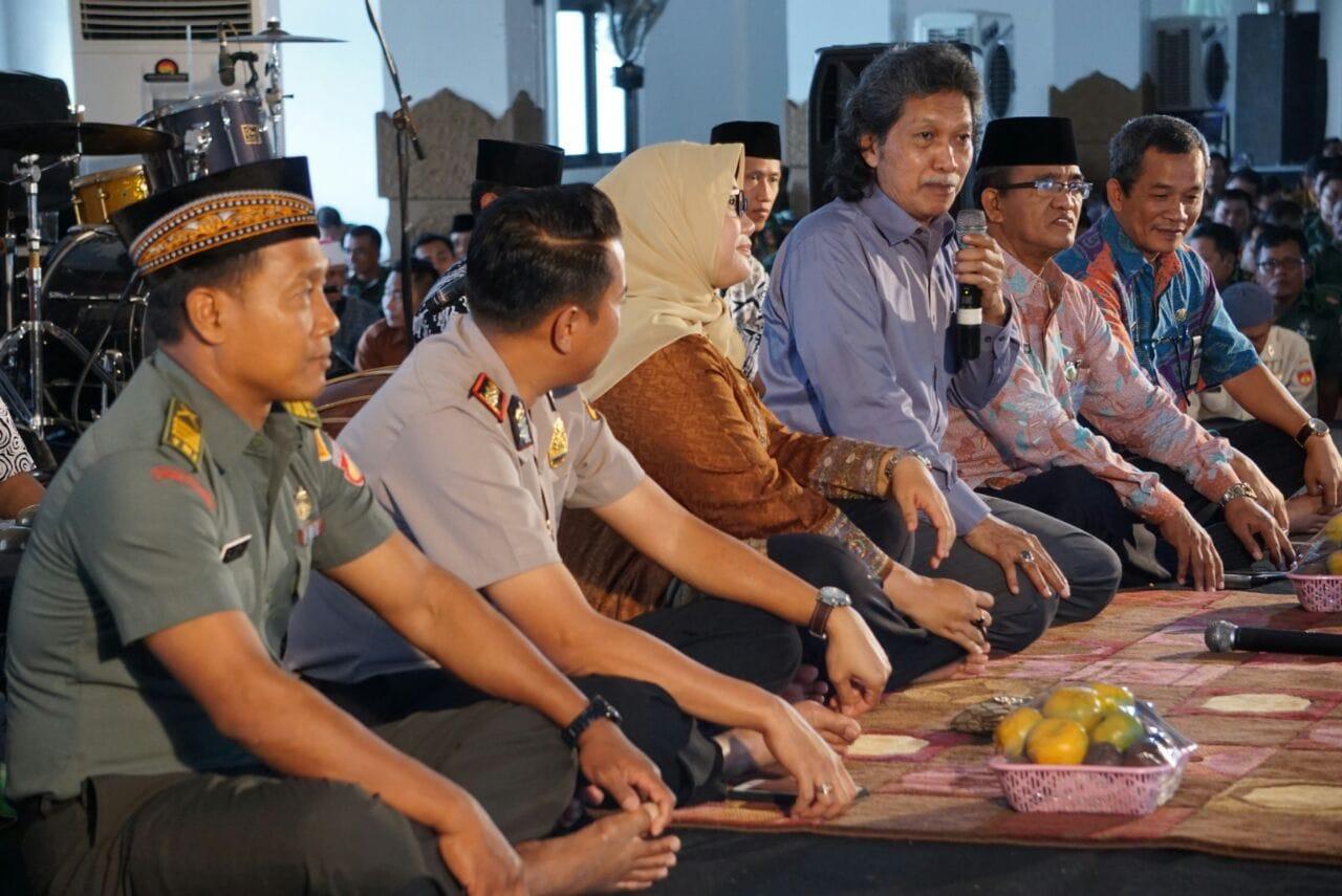 Ide Cak Nun untuk Ekspresi Semboyan Sragen Guyub Rukun