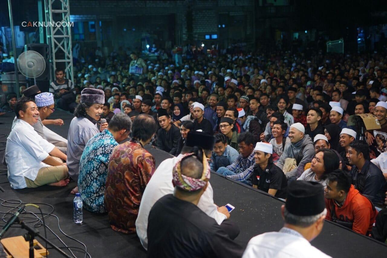 Mbok Sampeyan Ikut Mbantu Wong Islam