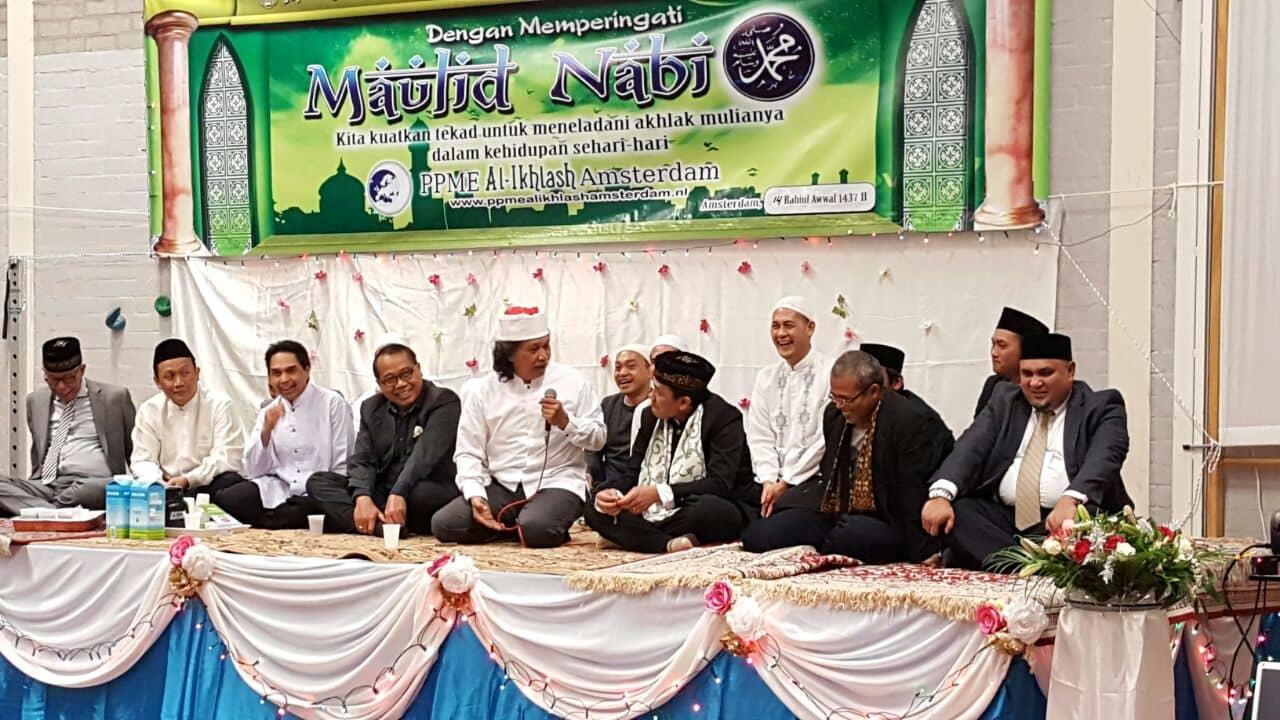 Rebutan Masjid