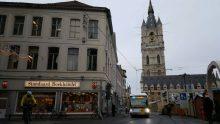 Melintasi kota tua Ghent sebelum mampir ngopi