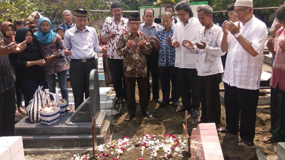 Cerpenis Achmad Munif Meninggal Dunia