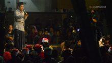 Majelis Ilmu Bangbang Wetan 12 April 2017 berlangsung di pendopo dan pelataran Taman Budaya Cak Durasim Surabaya. Jamaah mendalami beda antara audiens dan penonton, dengan proyeksi ke kehidupan sehari-hari.