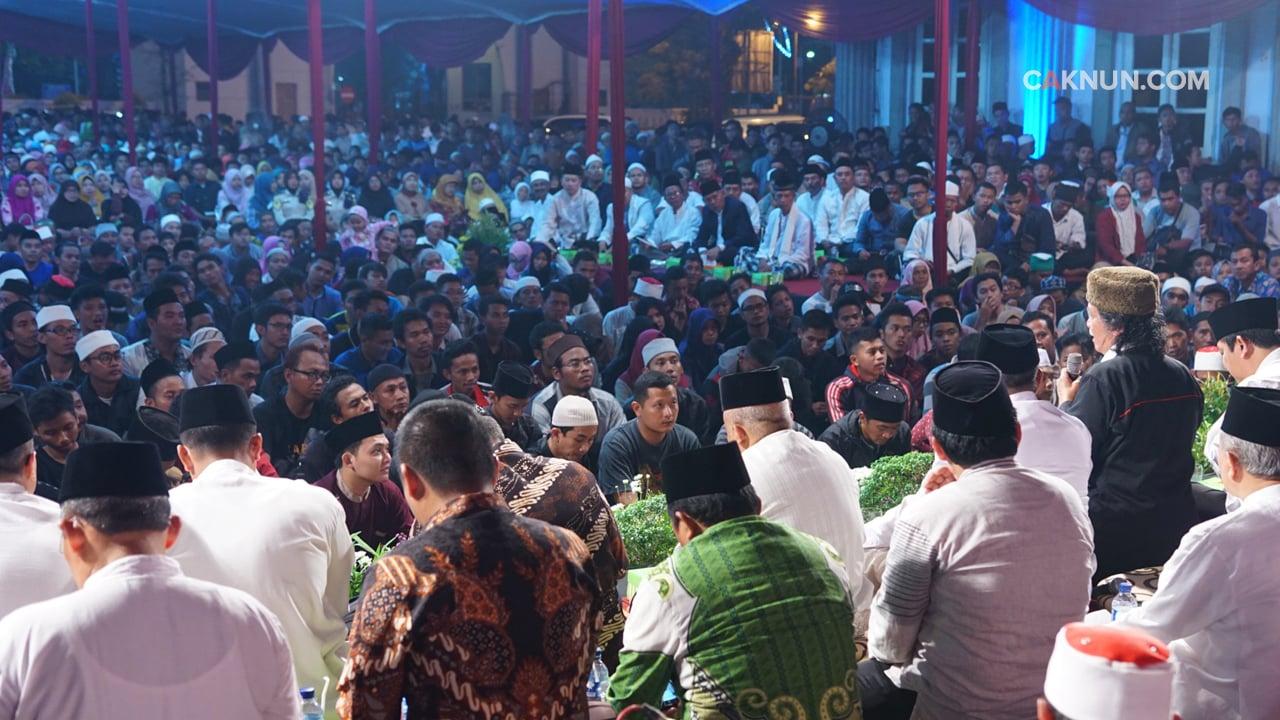 Masyarakat Semarang Padati Balaikota