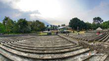 Ampiteater Terbuka Taman Candra Wilwatikta Pandaan malam ini akan menjadi tempat Sinau Bareng.