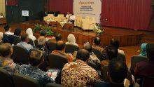Pagi tadi (04/07/2017) Cak Nun menghadiri undangan Syawalan yang diselenggarakan Keluarga Besar Fakultas Kedokteran UGM.
