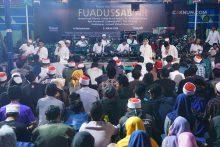 KiaiKanjeng membuka Padhangmbulan Fuadus-Sab'ah dengan nomer Sukaro dari Ummi Kultsum.