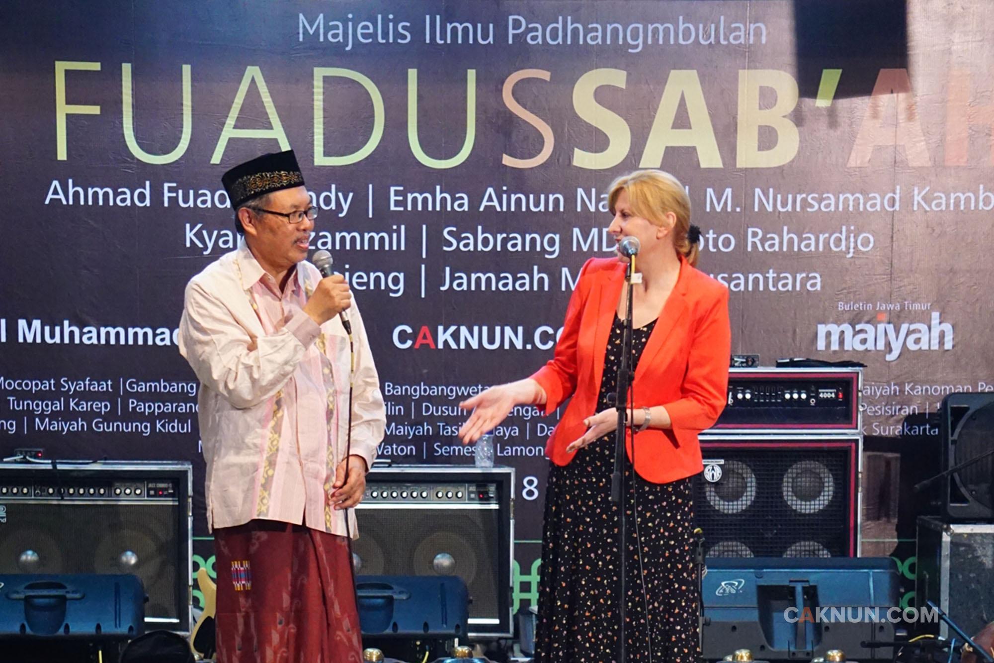 Sambutan Prof. Barbara dan Barikade Keta'dziman