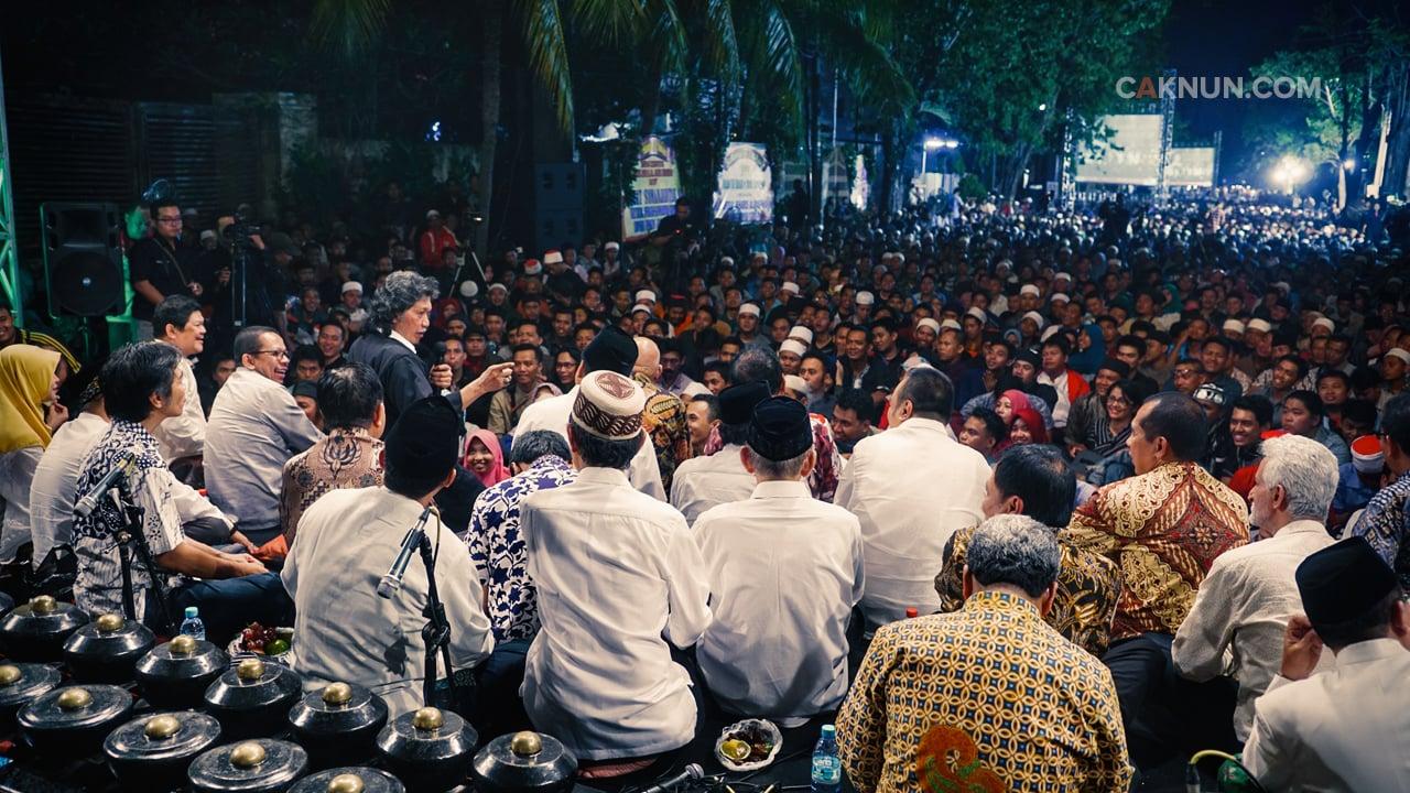 Apapun yang terjadi pada Indonesia, kita tidak putus asa untuk menyembuhkannya.