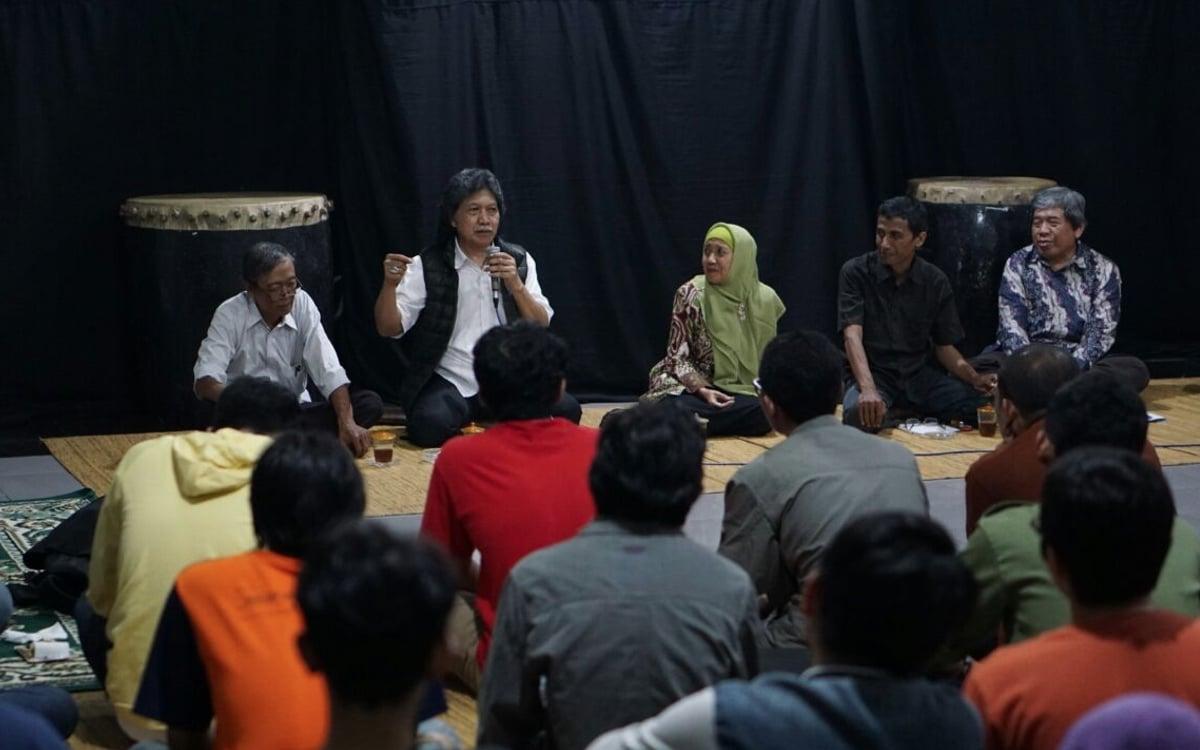 Mengenang Achmad Munif Sang Juru Kisah