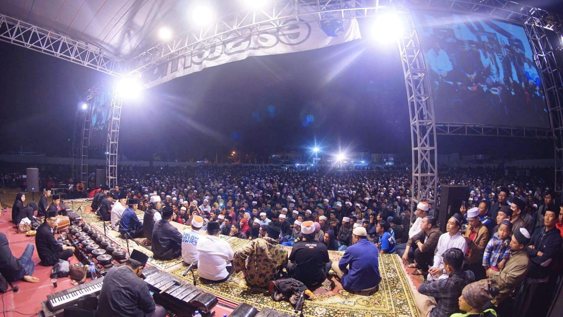 Arema Sinau Bareng di Lapangan Tumpang. Foto: Adin.