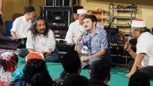 Jay F. Arms mempelajari gamelan dan meneliti komposisi gamelan baru melalui KiaiKanjeng.