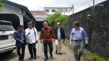 Siang ini, Cak Nun menerima tamu beberapa pengusaha Turki yang tinggal di Indonesia dan berkhidmat di bidang pendidikan.