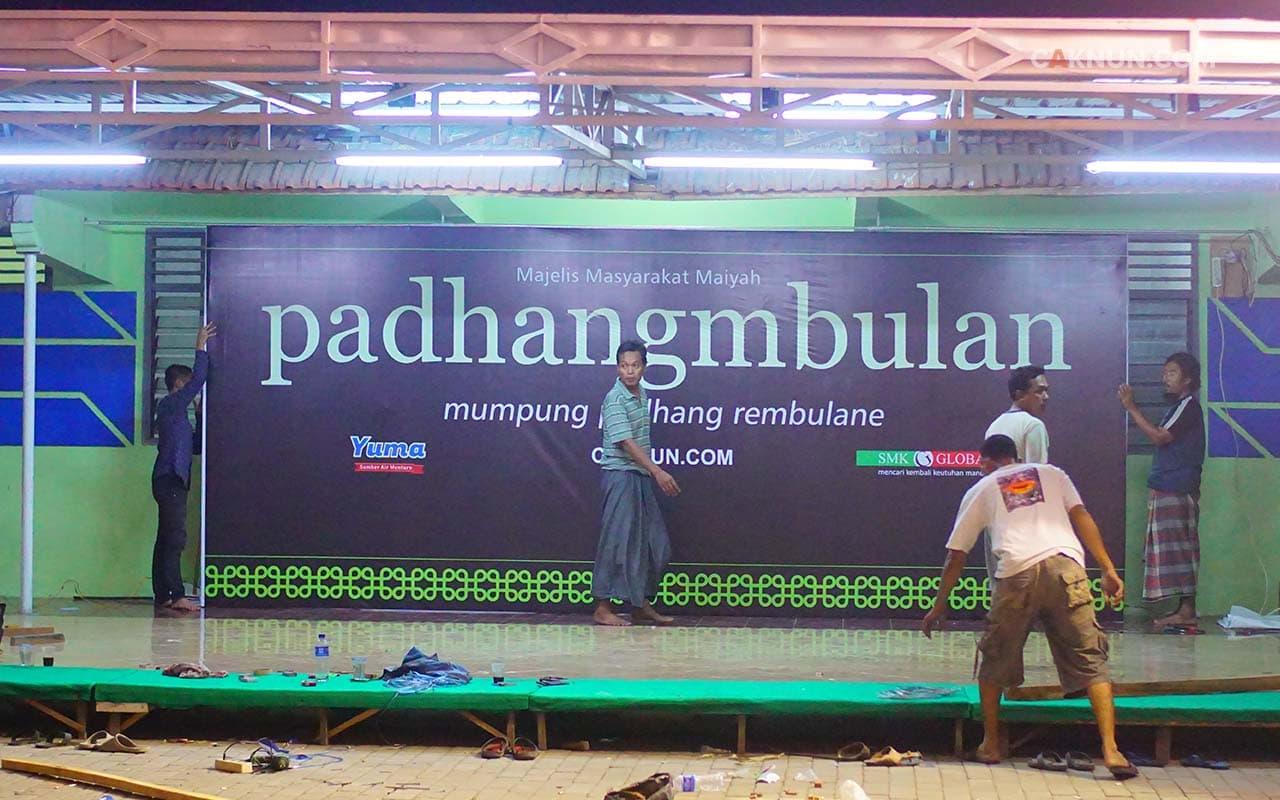 Persiapan Padhangmbulan November 2017. Foto: Hariadi.
