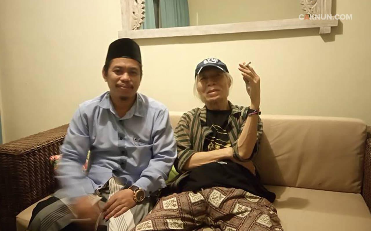 Kyai Muzammil bersama Umbu Landu Paranggi
