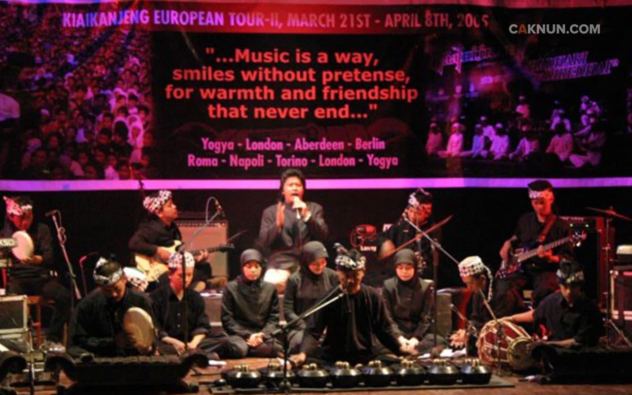 <em>World Music</em> Bernama KiaiKanjeng