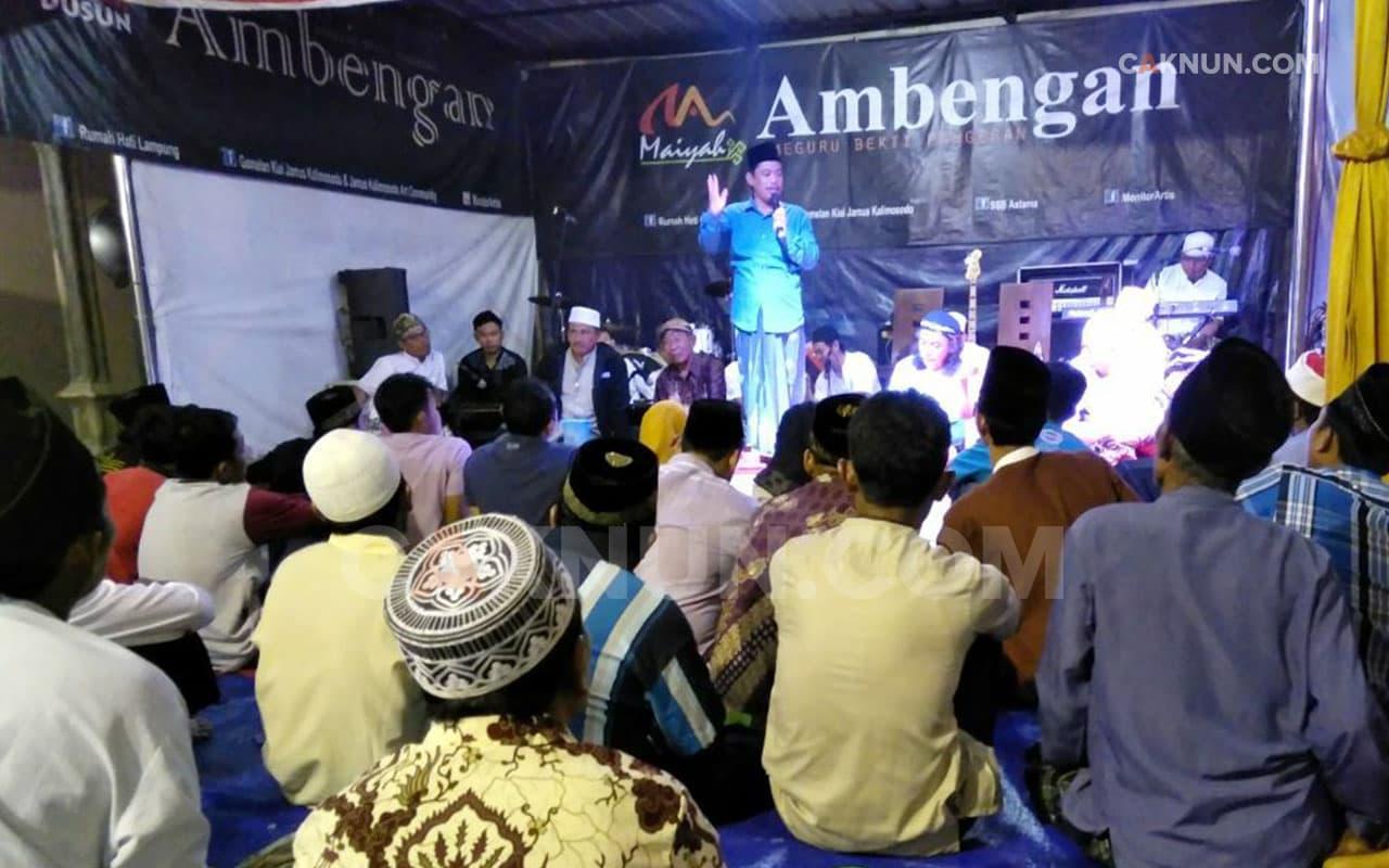 Kyai Muzammil Mempersaksikan Kebesaran Jiwa Maiyah Ambengan