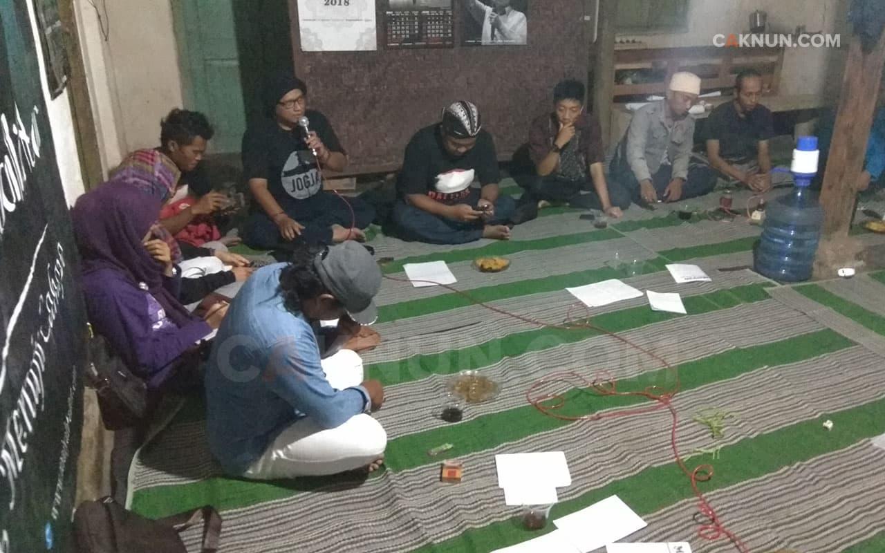 Latihan <em>Gondhelan Jubahe</em> Kanjeng Nabi
