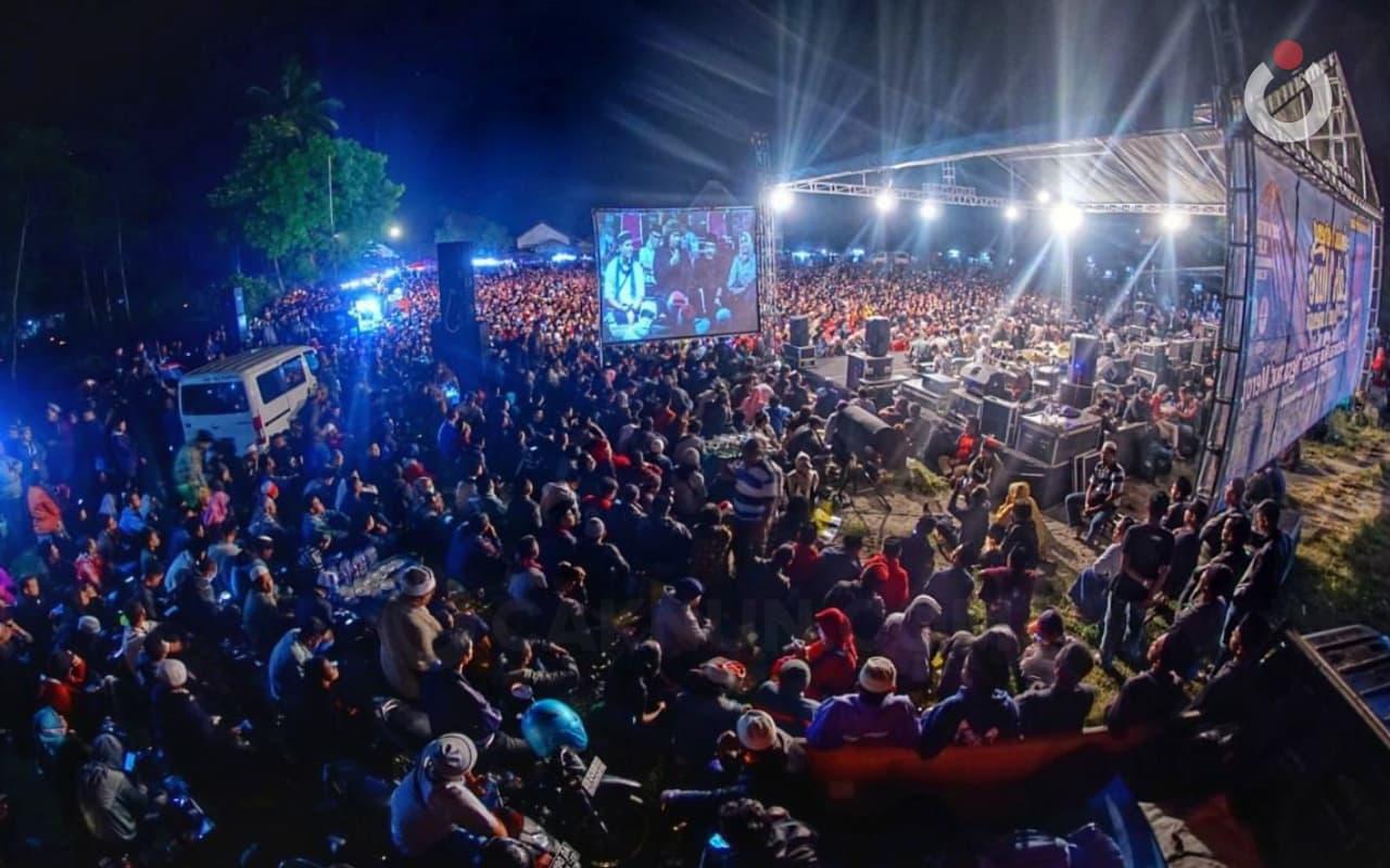 Ruang Publik, Sinau Bareng, dan Cak Nun