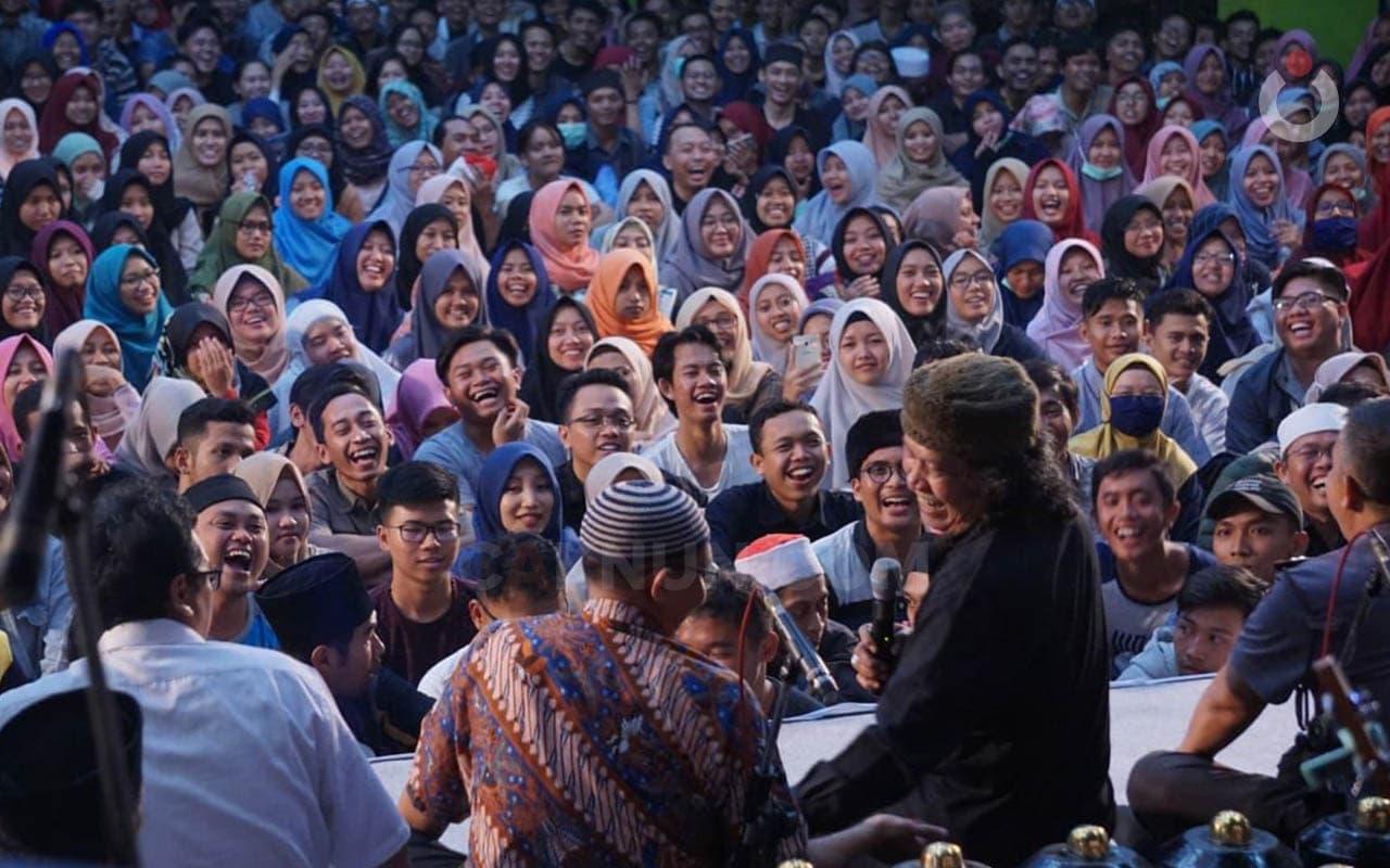 Bercinta di Kampus, Sementara NKRI Defisit Cinta dan Surplus Kecemasan