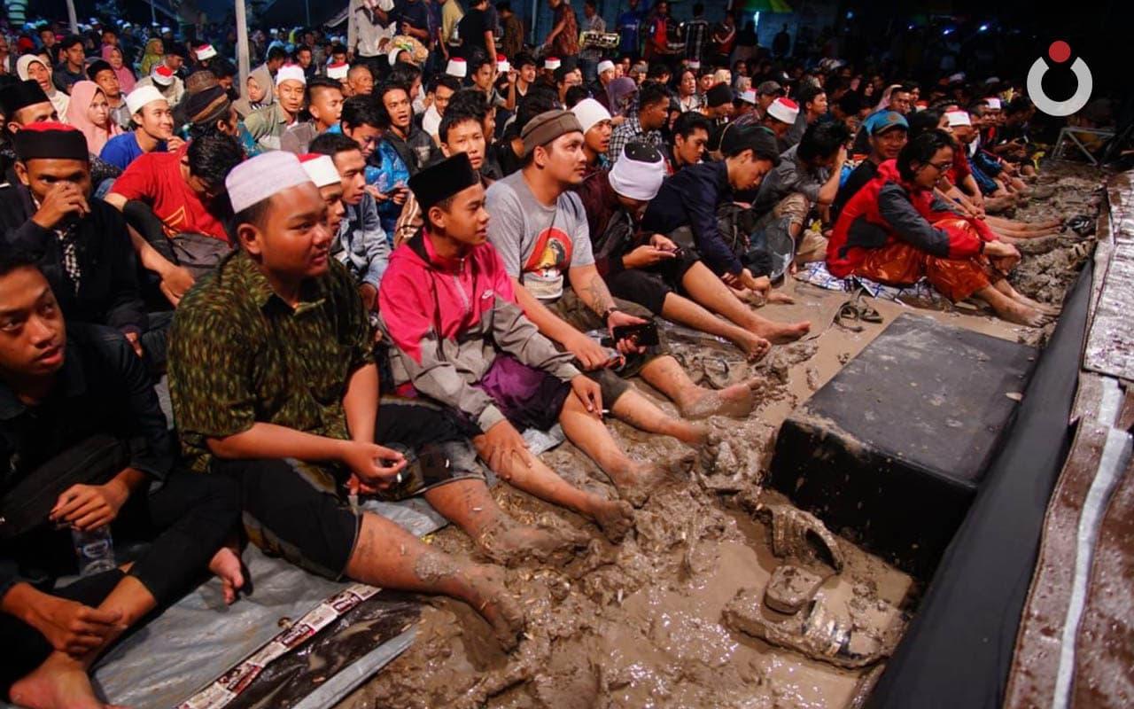 Menikmati Kenakalan-kenakalan Kecil Sebagai Manusia Nusantara