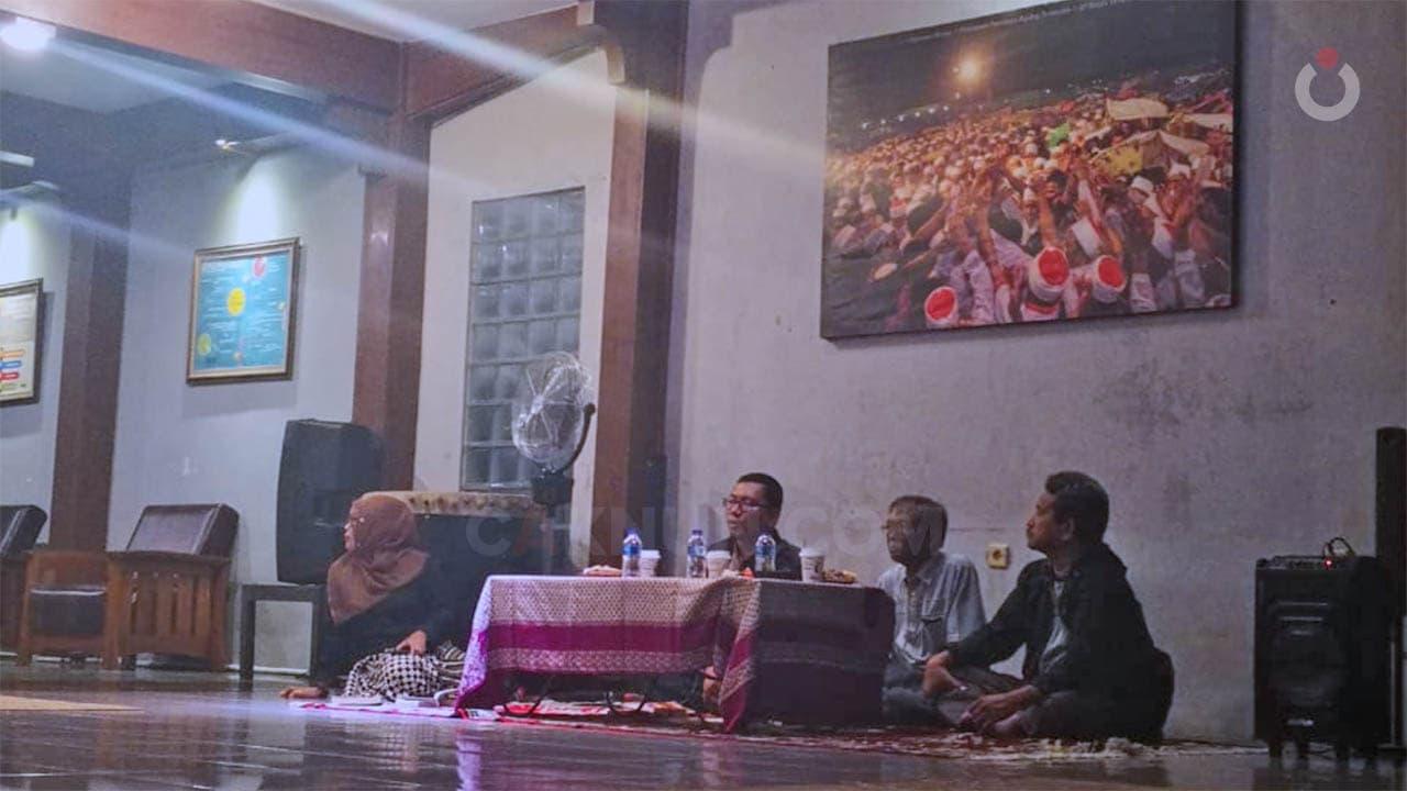 Menggali Puisi Iman Budhi Santosa dengan Kedalaman Saintifik Suryomentaram
