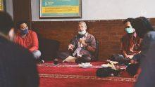 Silaturahmi Pak Busyro Muqoddas di Rumah Maiyah