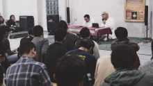 Syaikh Nursamad Kamba: Sastrawan Harus Berpihak